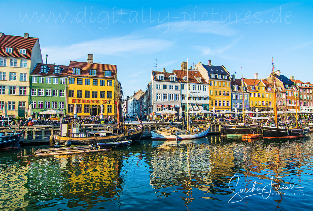 nyhavn 17 kopenhagen copenhagen hafen schiffe d nemark denmark giebelh user. Black Bedroom Furniture Sets. Home Design Ideas